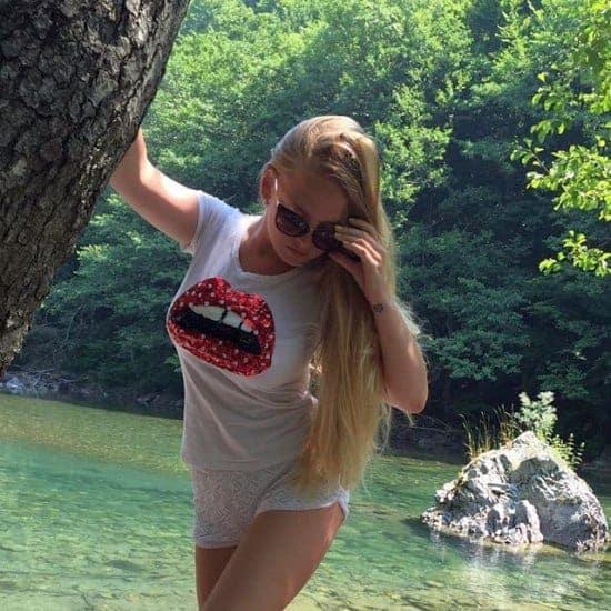 Oksana Neveselaya instagram pic